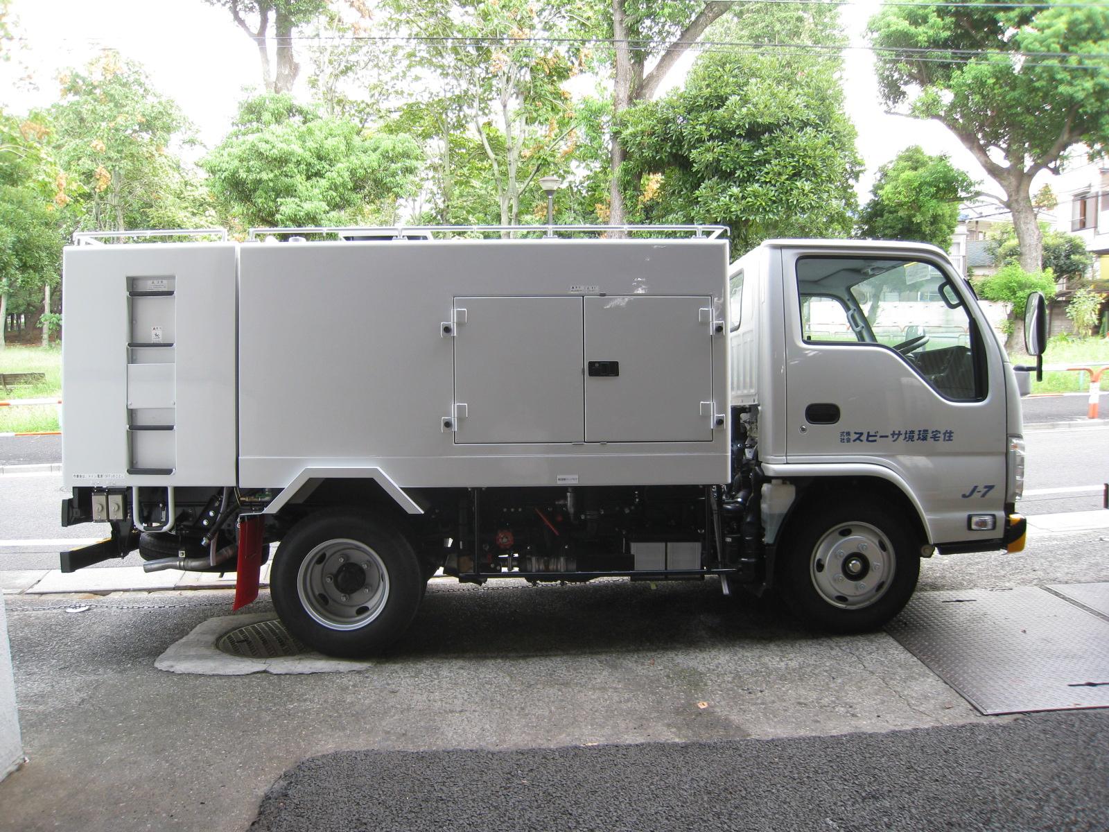ビルメンテナンス洗浄作業車 カンボーイ